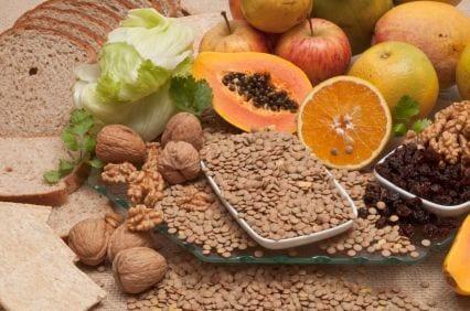 קטניות, פירות וירקות, הם חלק חשוב בתפריט להורדת כולסטרול